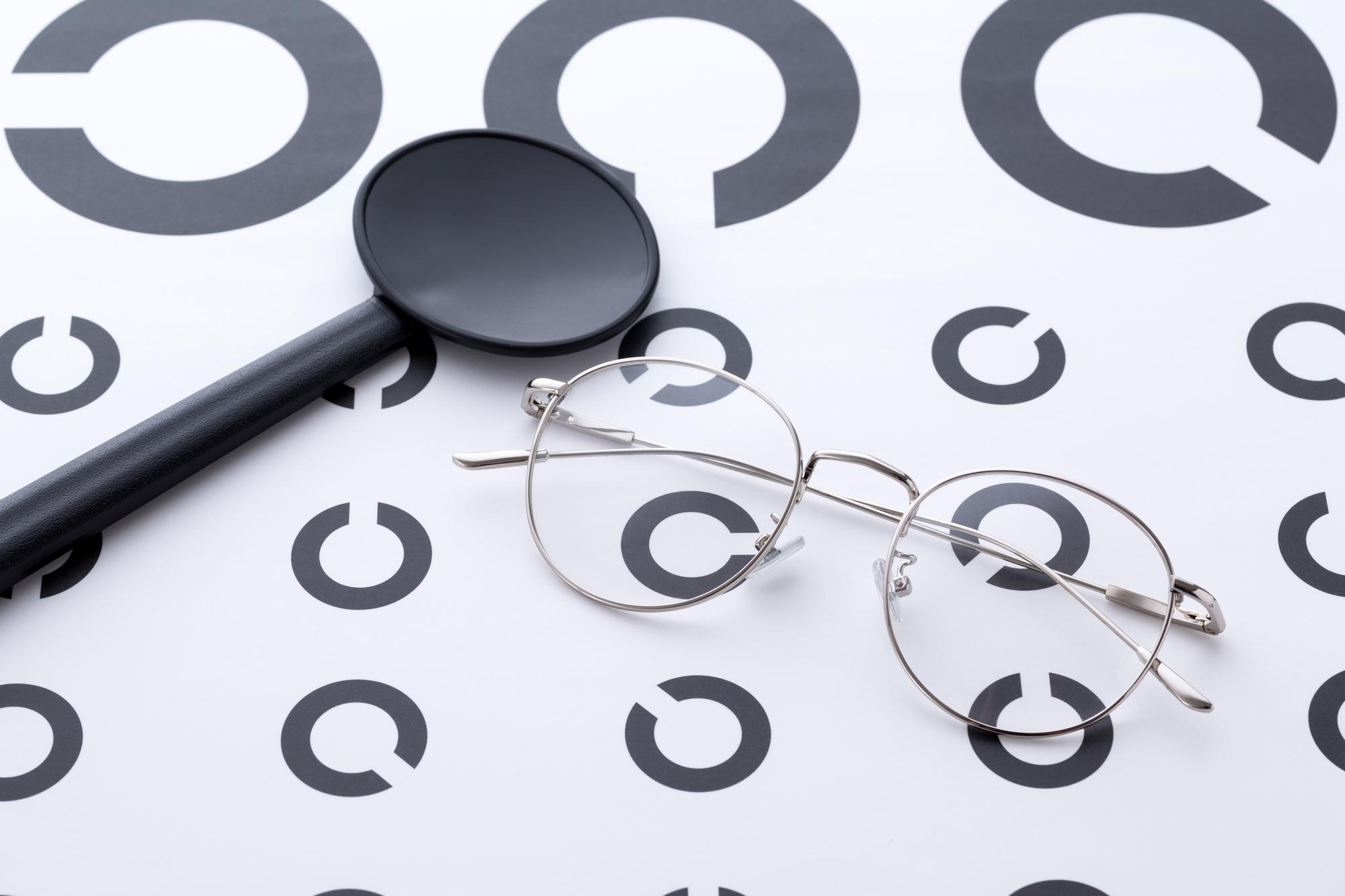 学校検診でお子さまの視力で悩んでいるお母さまへ
